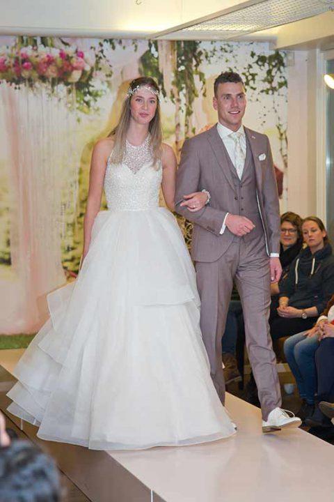 Huisshow-bruidsjurk_Bruid-en-Bubbels_12