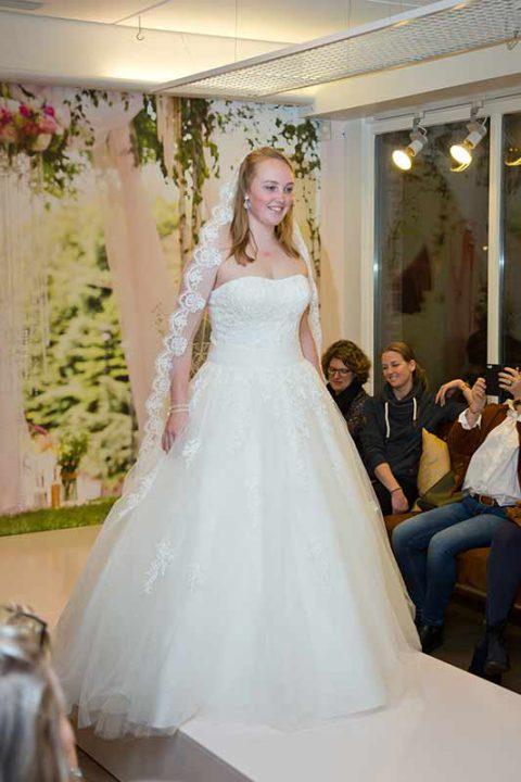 Huisshow-bruidsjurk_Bruid-en-Bubbels_41