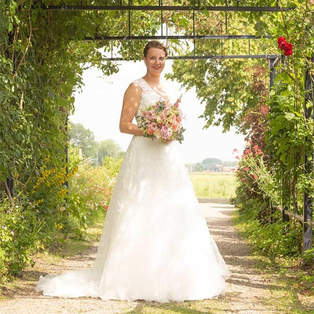 onze-bruiden-Nynke-Opperman-02_Bruid-en-Bubbels-Leeuwarden