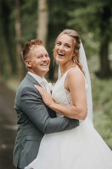 Kim-Ysbrand-02_bruid-bruidegom_Bruid-en-Bubbels-Leeuwarden